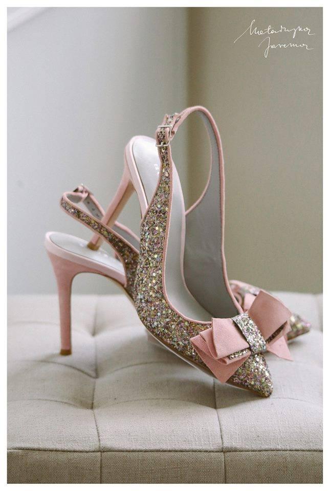 72c61af3 Wybrałaś – kolorowe buty ślubne - jaki kolor będzie najlepszy? Paleta  ślubnych barw jest niezwykle bogata, która z nich pasuje do Twojej ślubnej  stylizacji, ...